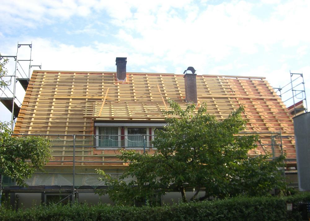 Montage der Dachlattung bei Dachsanierung